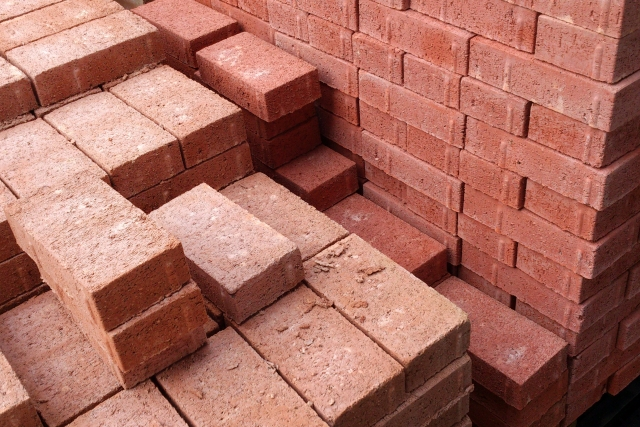 types of bricks and characteristics